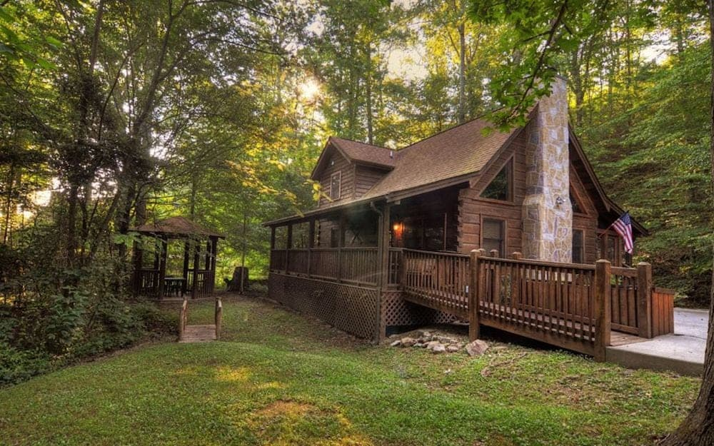 A beautiful Pigeon Forge resort cabin at Eagles Ridge.