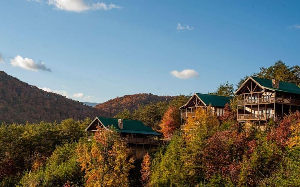 indoor with forge cabin pigeonforge five pools cabins rentals pigeon