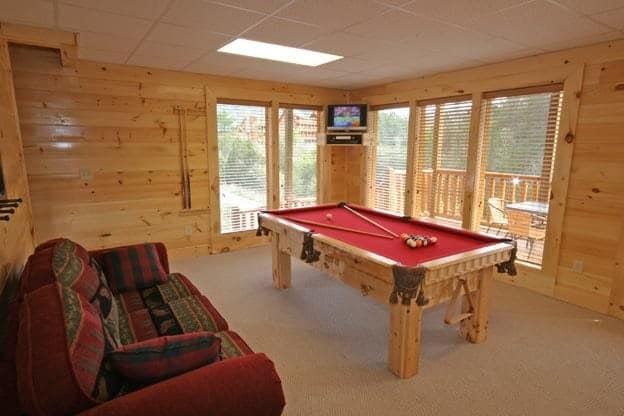 game room in pigeon forge cabin